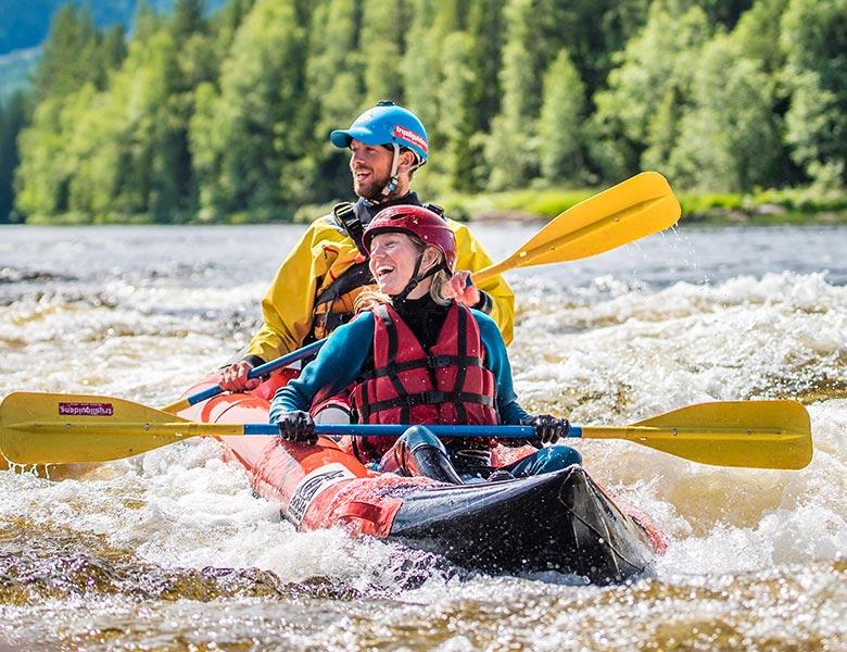 resort-room-kayak